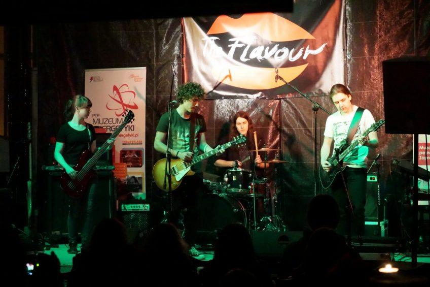 The Flavour & FunkyLogic 2015-12-18