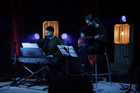 Akustyczny koncert Mateusza Wróbla