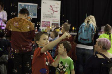 Pokazy i warsztaty z okazji Dnia Dziecka